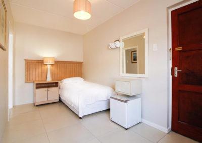 RM-bedroom2