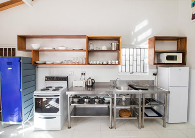 RM1-unit61-kitchenette